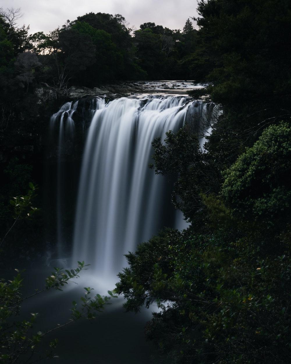 destinos con cascadas